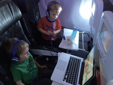 Best Tips for Traveling with Your Twins