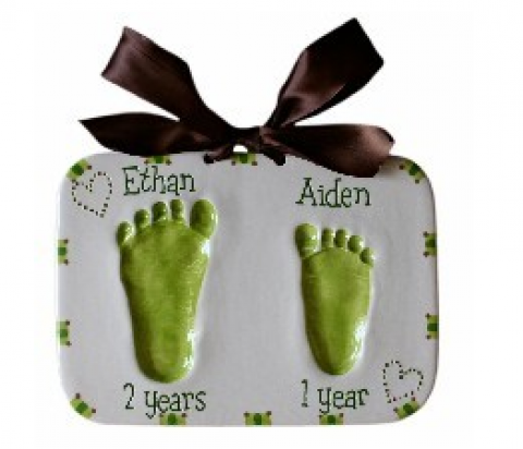 Cutest Personalized Gift Ideas for New Moms