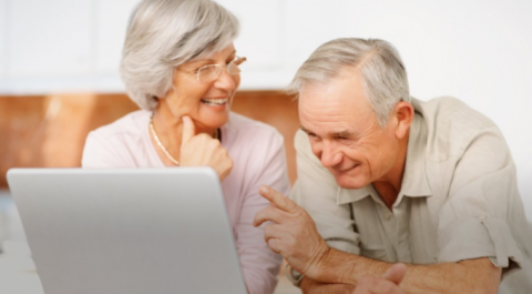 3 Reasons We Should Be Helping Grandma and Grandpa use the Internet