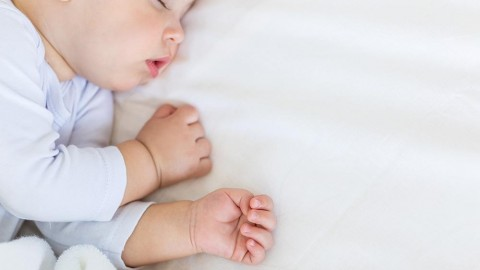 Infant Sleep Schedule: What to Expect