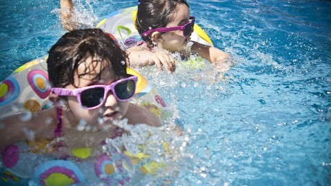 10 Simple Steps to a Safe Pool Party
