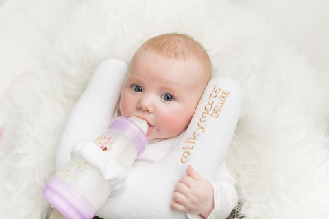 Milky Mate: A Revolutionary Self-Feeding Pillow For Twin Moms