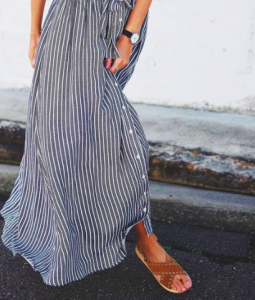 A Petite Woman's Guide to Buying Maxi Skirts