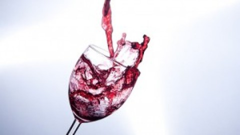 5 Ways to Remove Red Wine Stains from Carpet