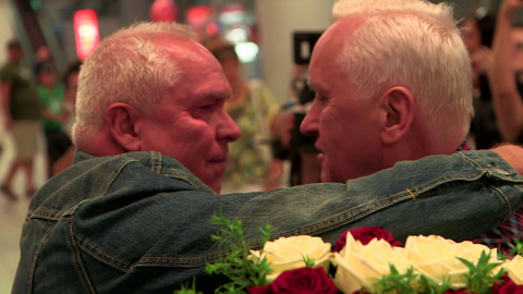 Emotional Reunion of Twin Brothers Separated for 70 Years